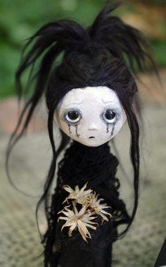 OOAK  Kiana la Banshee. Muñeca  gotica artística de por Villaoscura
