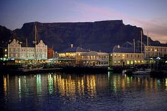 A travel guide to Cape Town South Africa. Read our travel tips and find out about Capetown tourist attractions, what to do and see when in Cape Town South Africa. Livingstone, Oh The Places You'll Go, Places To Visit, Table Mountain Cape Town, Mountains At Night, Chobe National Park, V&a Waterfront, Queens, Cape Town South Africa