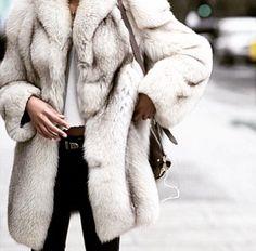 London Fashion Weeks, Fur Fashion, Street Fashion, Sporty Fashion, Street Chic, Couture Fashion, Daily Fashion, Fashion Beauty, Street Wear