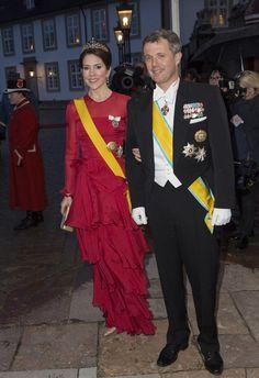 La princesa Mary desvió optó por un vestido de volantes de Jesper Høvring en la cena de gala al presidente de Mexixo y esposa