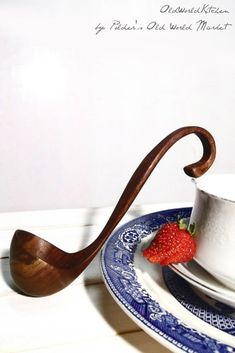 Is it wrong to covet? The Southern Belle in Black Walnut, a small, exquisite ladle for serving sauces and gravies, elegant enough for a candlelit dinner Wooden Ladle, Serving Utensils, Kitchen Utensils, Carved Spoons, Wood Spoon, Wooden Kitchen, Southern Belle, Unique Recipes, Kitchenware