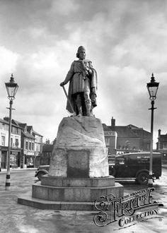 King Alfred's statue in Wantage