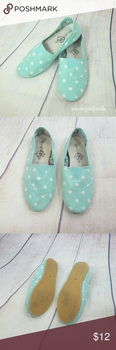 Soul Mates Turquoise White Dot Canvas Slip On 7/8 Soul Mates Turquoise White Dot Canvas Slip On size 7/8 (M) in great used condition. Some minor signs of wear. Very comfortable slip ons.   Please let me know if you have any questions. Happy Poshing! Soulmates Shoes Espadrilles