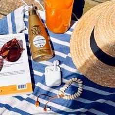 J'ai le plaisir de vous présenter cet article de ma boutique #etsy: Bracelet 28 coquillages cauries naturels sur cordon de cuir fauve ajustable par liens coulissants Bijou de plage bohème waterproof Boutique Etsy, Wine, Bottle, Bohemian Beach, Beach Jewelry, Sea Shells, Cords, Flask, Jars