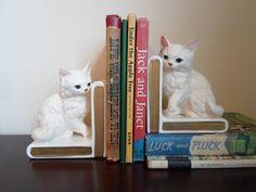 // vintage kitten bookends