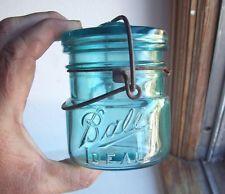 A nice clean jar. Mason Jar Kitchen, Mini Mason Jars, Vintage Mason Jars, Blue Mason Jars, Antique Bottles, Bottles And Jars, Antique Glass, Glass Bottles, Kerr Jars