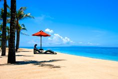 In my busy days, I'd like to lay down at this magnificent beach and do nothing :)