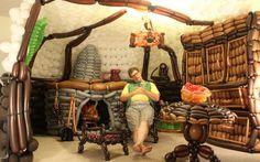 Balloon art Hobbit cave
