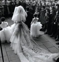 The wedding Paris 1952 by Robert Doisneau