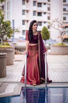 Indian Bridesmaid Dresses, Party Wear Indian Dresses, Designer Party Wear Dresses, Party Wear Lehenga, Indian Bridal Outfits, Kurti Designs Party Wear, Dress Indian Style, Indian Designer Outfits, Half Saree Lehenga