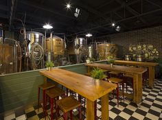 Brisbane Brewing Co. by Brand + Slater Architects.  [ Photography - Alex Donnini ]