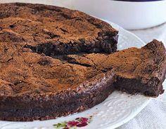 Moelleux au chocolat et mascarpone au Thermomix, recette d'un délicieux gâteau fondant, moelleux à souhait,à base de 3 ingrédients et sans beurre ni farine.