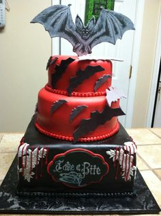 Halloween cake but do better bats