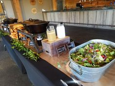 think about how bbq straight catered will look - this is like the nicest we should go. Catering Buffet, Bbq Buffet, Rustic Buffet, Bbq Table, City Bbq Catering, Catering Display, Food Buffet, Catering Food, Catering Ideas