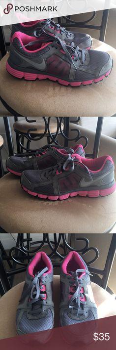 Nike Dual Fusion Sneakers - Size 7.5 Nike Dual Fushion Sneakers ST2 in grey and pink. Size 7.5. Nike Shoes Sneakers