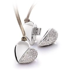 Philips and Swarovski Active Crystals USB memory key Heart Beat Spy Gadgets, Cool Gadgets, Usb Drive, Usb Flash Drive, Stylo 3d, Picture Store, Just Girly Things, Cool Inventions, Crystal Jewelry