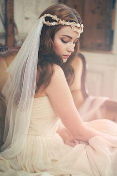 Romantic wedding veil from Jannie Baltzer | see more on: http://janniebaltzer.com/