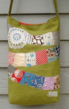 linen bag. pretty sure i have everything i need to make something like this. a very happy bag.