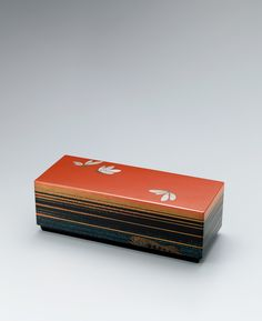 蒔絵箱「朱夏の一刻」 Hat Boxes, Tea Ceremony, Japanese Culture, Wood Boxes, Keepsake Boxes, Funeral, Packaging, Ceramics, History