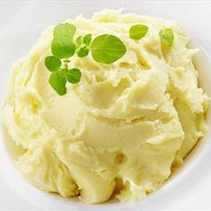 This is the creamiest mash potato ever I only ever use skim milk - Mashed potato THERMOMIX Best Mashed Potatoes, Mashed Potato Recipes, How To Cook Potatoes, Pork Recipes, Cooking Recipes, Savoury Recipes, Keto Recipes, Recipies