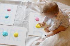 We tested yogurt paint last week. The idea has you . Infant Activities, Activities For Kids, Baby Co, Best Funny Videos, Baby Games, Babysitting, Blog, Kids And Parenting, Parenting Plan