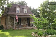 Stone Cottage in the Woods (3BR) in Kansas City
