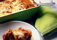 Het favoriete recept van mijn kinderen: groene kool-rolletjes met gehakt en tomatensaus uit de oven. Zo krijg je er nog eens wat groenten in