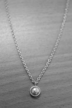 Femme Pearl Necklace
