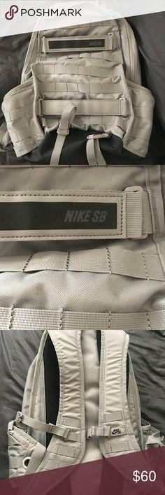 Nike SB backpack Excellent condition NIKE SB backpack! 6 pockets Nike Bags Backpacks