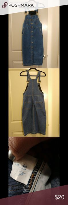 Blue Jean Overall Dress Blue jean overall Dress. Unable to determine brand, this was a gift from my mother in law assuming she did not notice the tag missing. Luckily the size was written down at least. This has never been worn. Size: Small Dresses