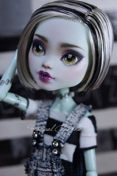 Commission Monster High Frankie Stein