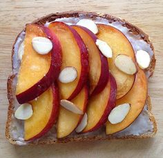 Breakfast is the perfect time to treat yourself to something delicious, sweet & healthy! GF toast + coconut butter + peaches + a lil maple syrup + toasted almond slivers