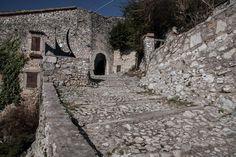 #Lizori, #Pissignano, #Campello, #Clitunno, #Umbria #Italy http://www.evoluptas.com/miracolo-contemporaneo/