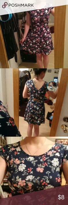Floral Dress No flaws. Fitted at waist. Peek a boo back. Worn a couple times. Cotton. SO Dresses