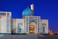 Tashkent, Uzbekistan - by Frans Sellies Beautiful Mosques, Beautiful Places, Amazing Places, Amazing Architecture, Art And Architecture, Stone City, Islamic World, Islamic Art, Central Asia