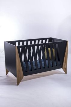 It is so beautiful to see a baby sleeping and to make it more pleasant.Here are Top 5 Luxury Baby Cribs of 2019 Unique Baby Cribs, White Baby Cribs, Baby Furniture, Furniture Design, Furniture Cleaning, Cheap Furniture, Black Crib, Newborn Bed, Modern Crib