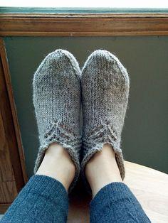 Yarn: Custom Woolen Mills Lincoln Longwool Mule Spinner 2-ply (One 4oz Skein)