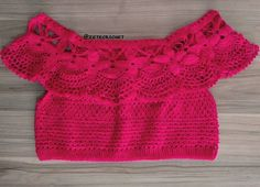 PAIXÃO por essa Ciganinha super pink! #crochet  ❤ Pronta entrega 89,00. #boho #bohostyle #bohemian #gypsy #gypsysoul #handmade #semprecirculo #croche #crochê #cropped #crochettop #vilavelha #lookdodia #ootd #crochetlove #ciganinha