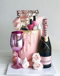 30th Birthday Cake For Women, Birthday Cake Roses, 25th Birthday Cakes, Beautiful Birthday Cakes, Makeup Birthday Cakes, Birthday Gifts, Champagne Birthday, Champagne Cake, Liquor Cake