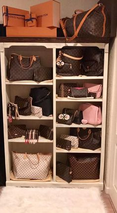 How to store your Louis Vuitton Collection! LV Keepall, Neverfull, Neverfull GM, Pochette, Artsy, Favorite Owner: Jaime Coleman (group member) Join our Louis Vuitton group where we share our secret LV obsession! ❤