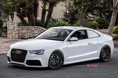 this is the car i want cutteeee babe #carsrock #futurecar #loveeeyyaaaa