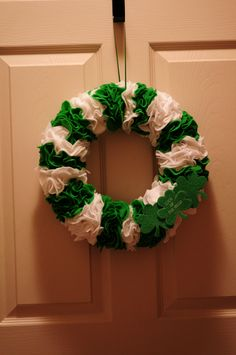 St. Patrick's Day Wreath - gonna make this one