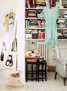 Mokkasin: frukostbok. #library #dress #bags