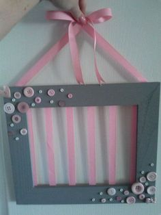 Buttons on frame, no backing, just ribbon Picture Frame Crafts, Picture Frames, Bow Hanger, Hair Accessories Storage, Barrettes, Hairbows, Diy Bow, Baby Kind, Baby Bows