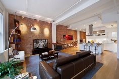 exposed brick, apartment in Soho, NYC