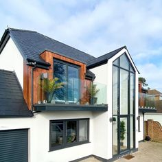 Normally on large plots with so much extension potential, they can often be purchased at a reasonable price since they have usually been untouched since the Modern Bungalow House Design, Small Bungalow, Bungalow Homes, Bungalow Ideas, House Extension Plans, House Extension Design, Glass Extension, Extension Ideas, Building An Extension