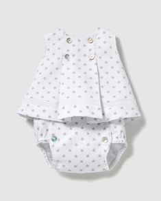 i think i had one just like this as a baby Baby Dress Design, Baby Girl Dress Patterns, Baby Clothes Patterns, Baby Kids Clothes, Baby Outfits, Kids Outfits, Frocks For Girls, Little Girl Dresses, Baby Girl Fashion