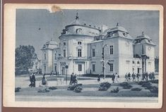 Beautiful Buildings, Warsaw, Old Photos, Bible Verses, Taj Mahal, Black And White, City, Travel, Old Pictures