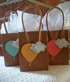 by ParentStreetBoutique Hot air balloon mini favor/gift bags. by ParentStreetBoutique Shower Party, Baby Shower Parties, Baby Shower Themes, Shower Ideas, Fiesta Baby Shower, Baby Boy Shower, Baby Shower Balloons, Birthday Balloons, Balloon Party