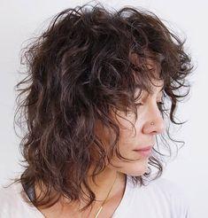 Shag Haircuts for Medium Thin Wavy Hair In 2020 50 Latest Shag Haircut Variations Trendy In 2020 Hair Adviser Medium Shag Hairstyles, Medium Shag Haircuts, Edgy Haircuts, Shaggy Haircuts, Haircuts For Curly Hair, Funky Hairstyles, Formal Hairstyles, Girl Hairstyles, Wedding Hairstyles